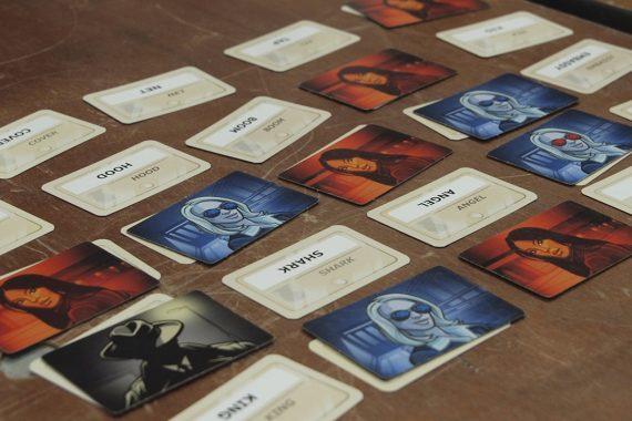 Codenames_Header_Gameplay
