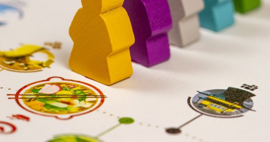 Tokaido Board Game - Pieces At Inn