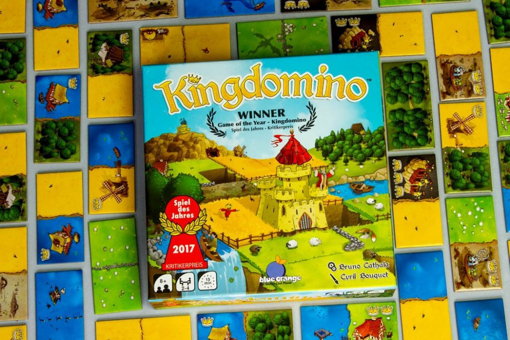 Kingdomino Board Game Box on the Grid
