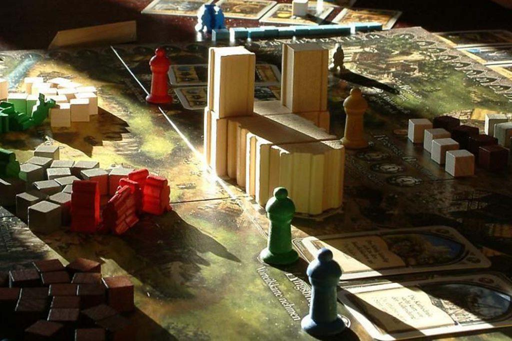 The Pillars of Earth Board Game