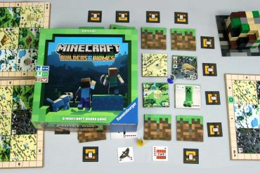Minecraft Builders and Biomes Board Game Box Art