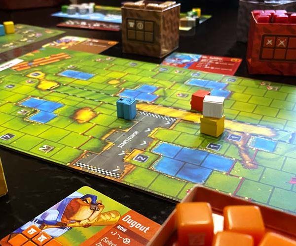 Cubitos Board Game Racing Play
